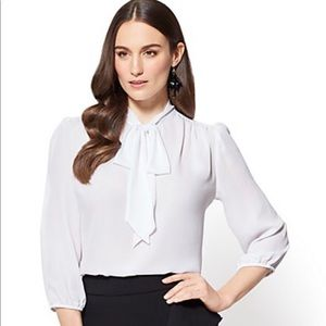 NY&CO Bow Accent Blouse in Paper White
